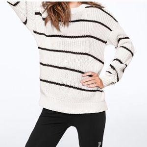 NEW VS PINK heritage crewneck sweater Small